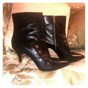 Like New Micheal Kors Black Heels